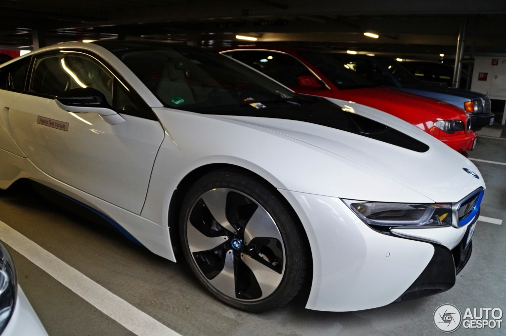 Pics Crystal White Bmw I8 In Car Park