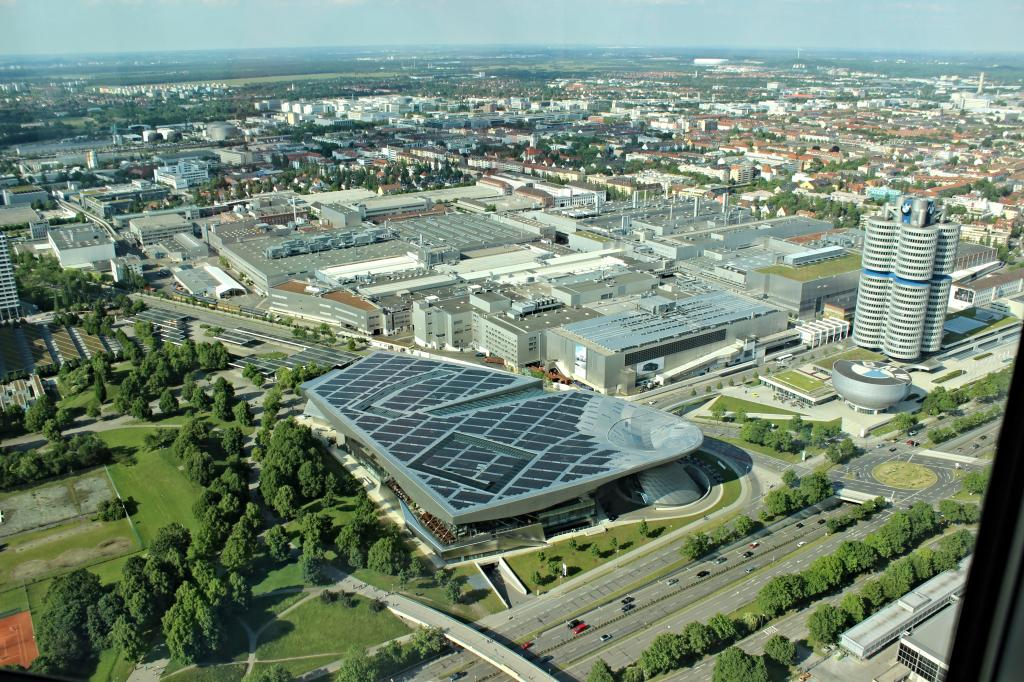 Name:  BMW Welt and Museum and WERK  IMG_8928.jpg Views: 5029 Size:  179.6 KB