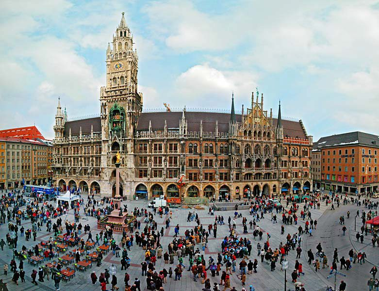 Name:  Marienplatz3279647691965_569965791_n.jpg Views: 3388 Size:  125.8 KB
