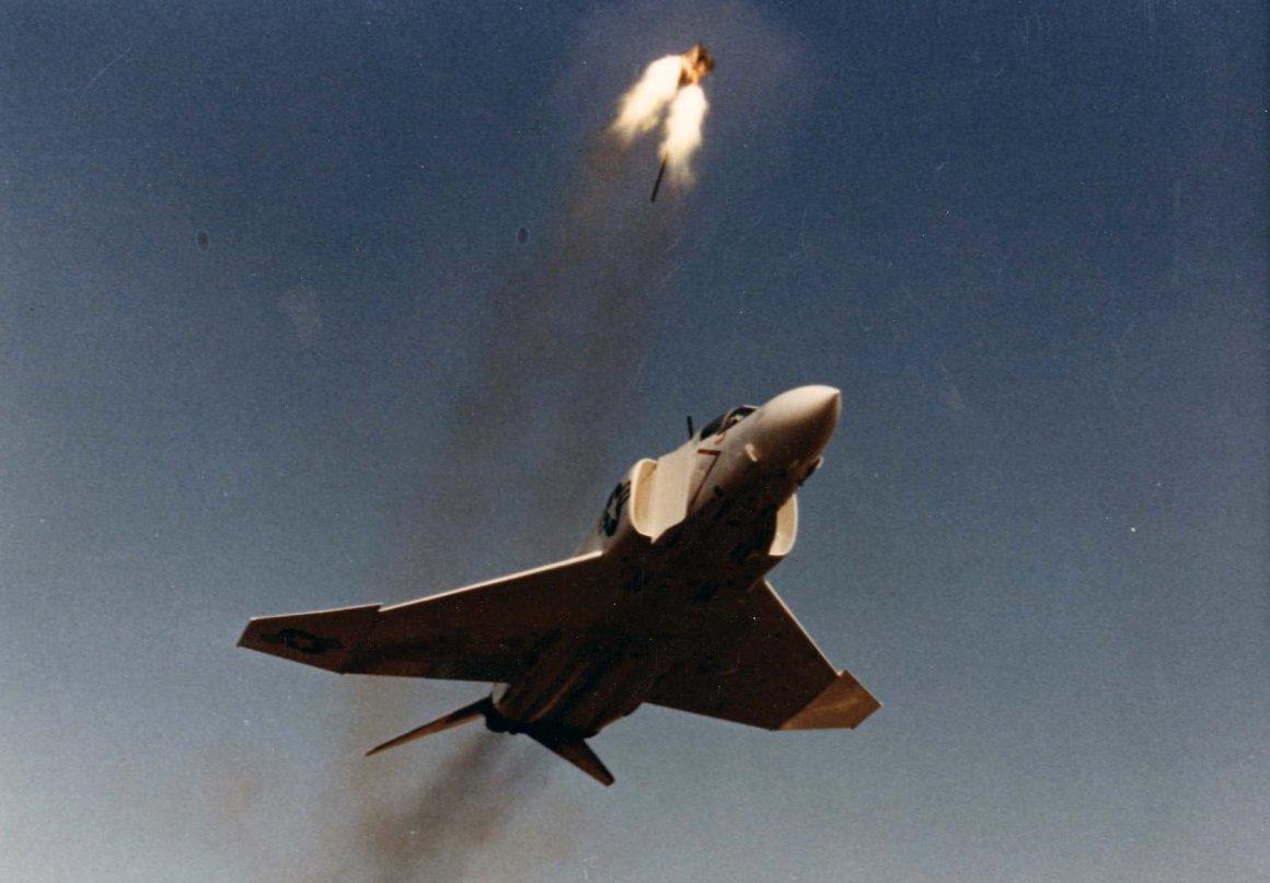 Name:  F-4S_Phantom_ejection_seat_test_1985.jpg Views: 129 Size:  99.6 KB