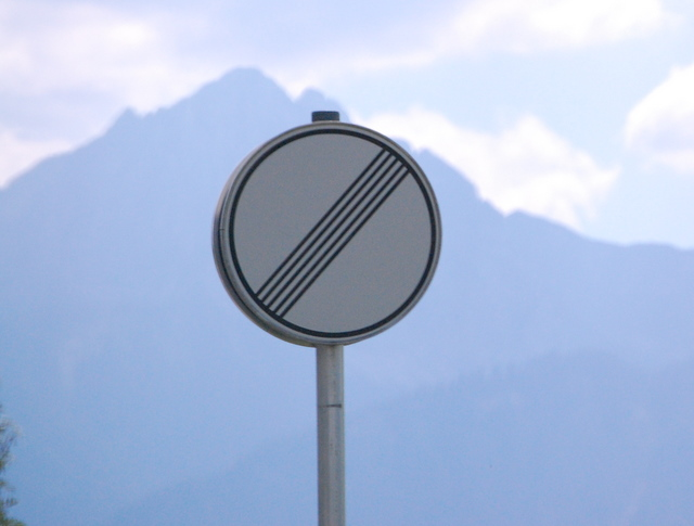 Name:  autobahn-end-of-restrictions-sign.jpg Views: 7621 Size:  83.5 KB