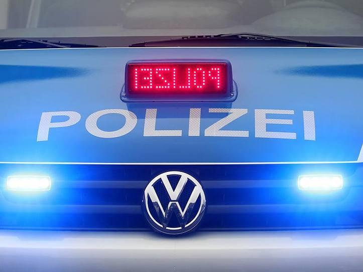 Name:  polizei blaulicht.jpg Views: 3877 Size:  37.3 KB