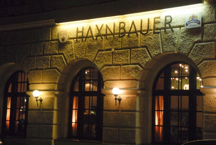 Name:  Haxnbauer im Scholastikahaus .jpg Views: 2945 Size:  412.3 KB